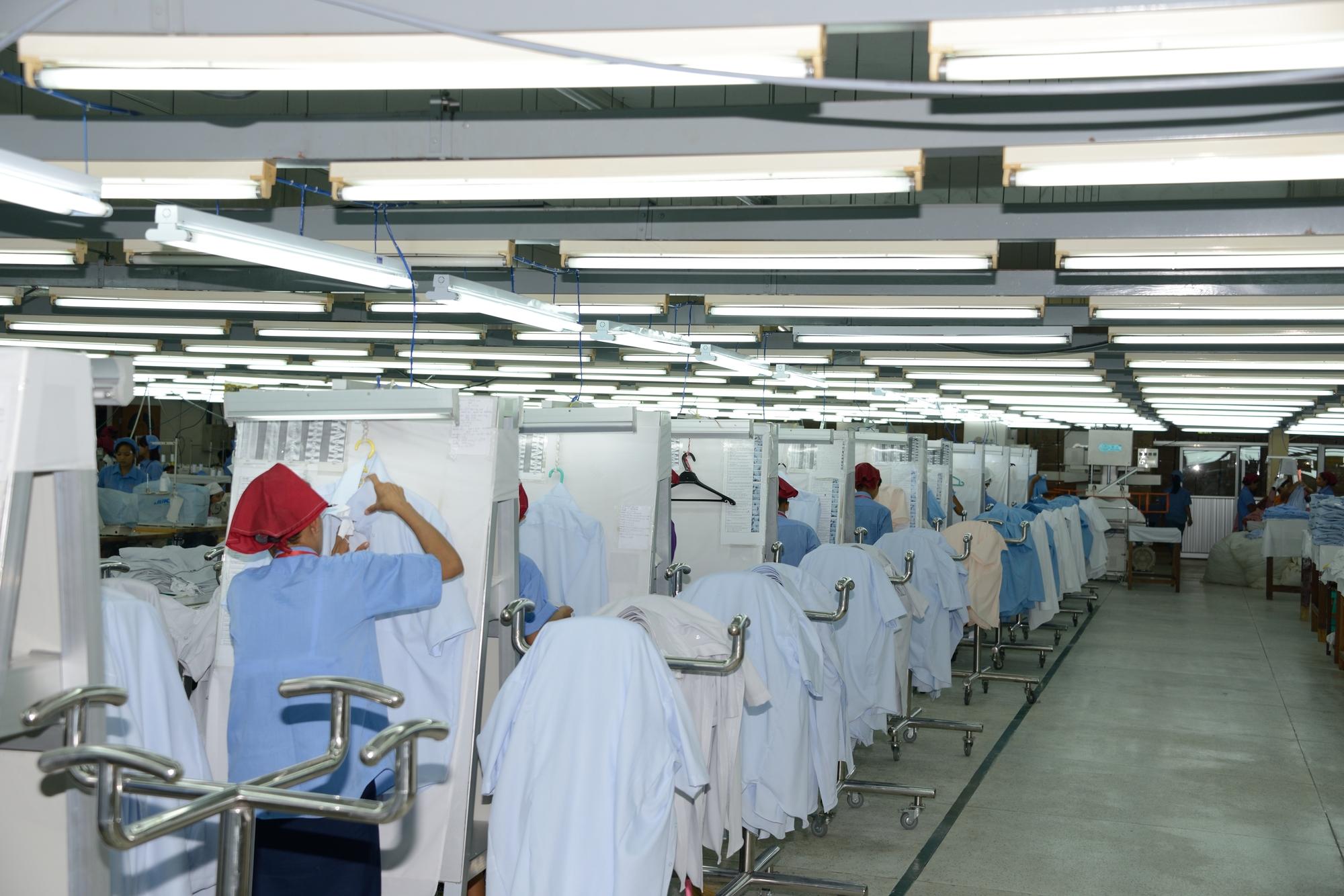 アパレル工場