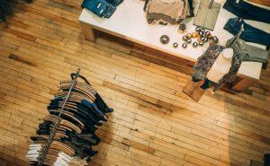 アパレルで売れる店に共通する7つのポイント!売れない店との違いは?