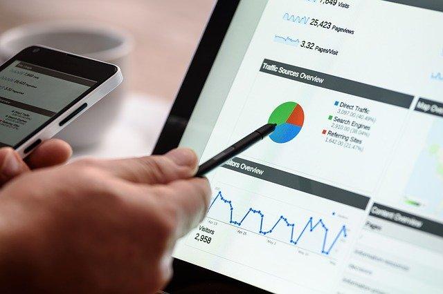 顧客データの分析から販売戦略を立案